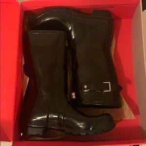 Black hunter rain boots mid calf